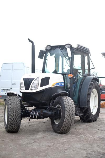 New Holland T4030N