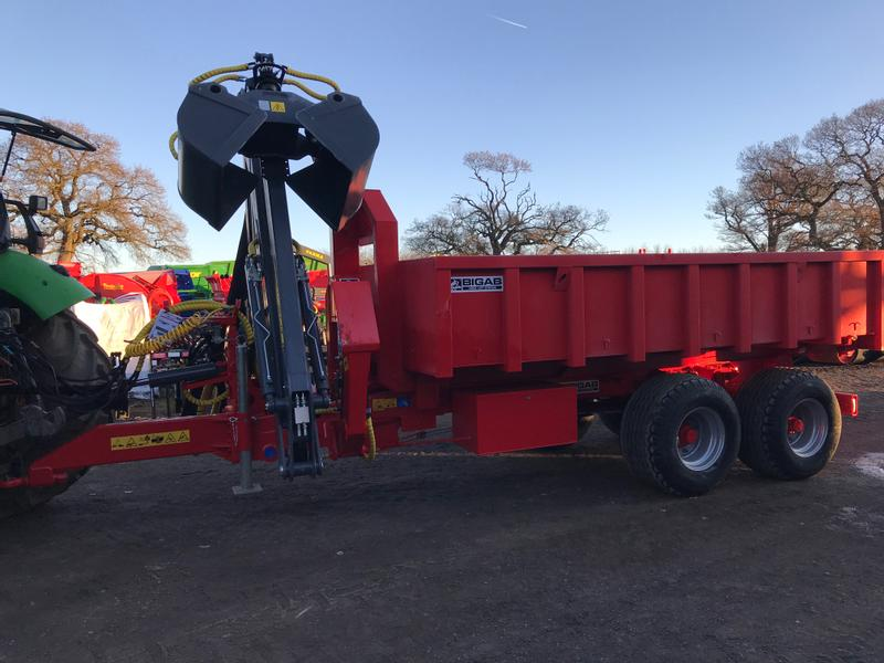 BIGAB 10-14 with 6.6m Z Crane