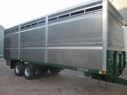 Bailey 25ft livestock trailer